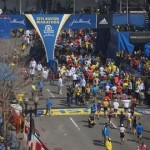 800px-Boston_Marathon_bombing,_first_bomb_site_54_minute_before_explosion